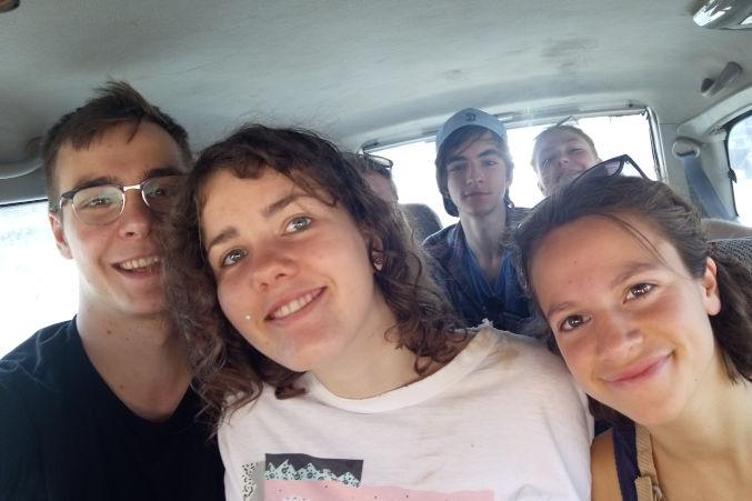 Nyendo-Schueler-zu-Besuch-im-Slum-Beitragsbild